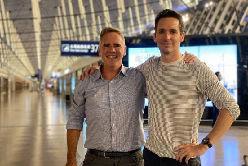 ▲幾經斡旋,一度受困中國的澳洲記者伯特斯與史密斯,終於在上個月