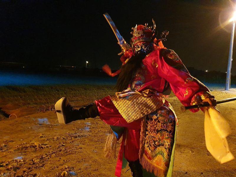 ▲李康生深夜練習跳鍾馗。(圖/李康生提供)