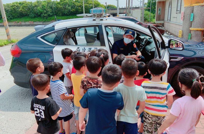 路口如虎口護幼童安全 北港警叮嚀「慢、看、停」