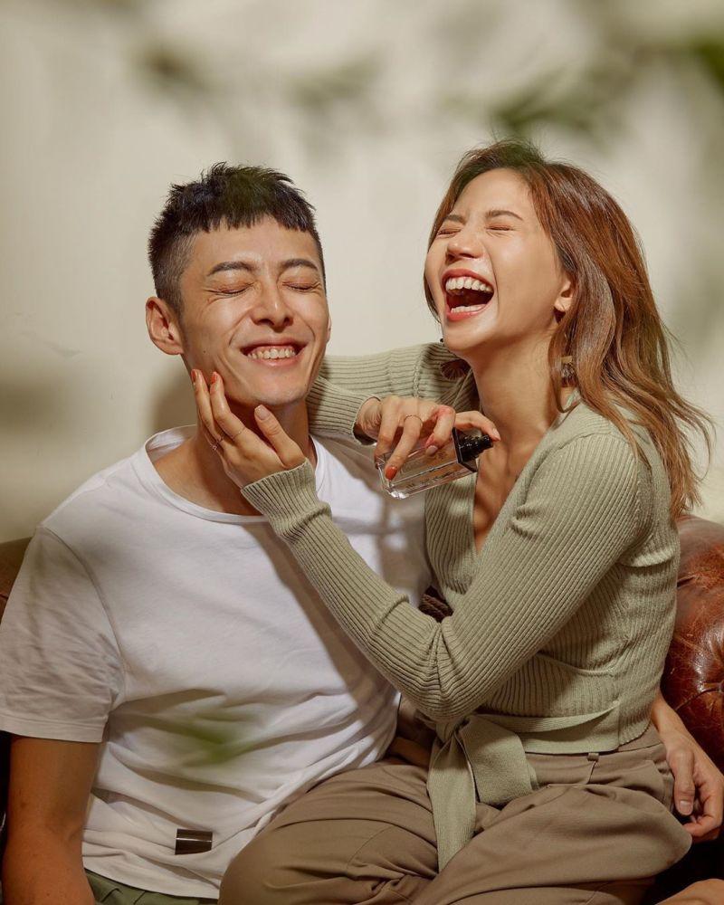 ▲陳艾琳(右)和老公愛得甜蜜。(圖/陳艾琳IG)