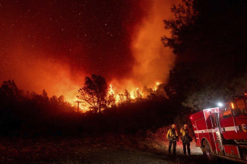 美西野火濃煙鋪天蓋地 川普擬往加州視察