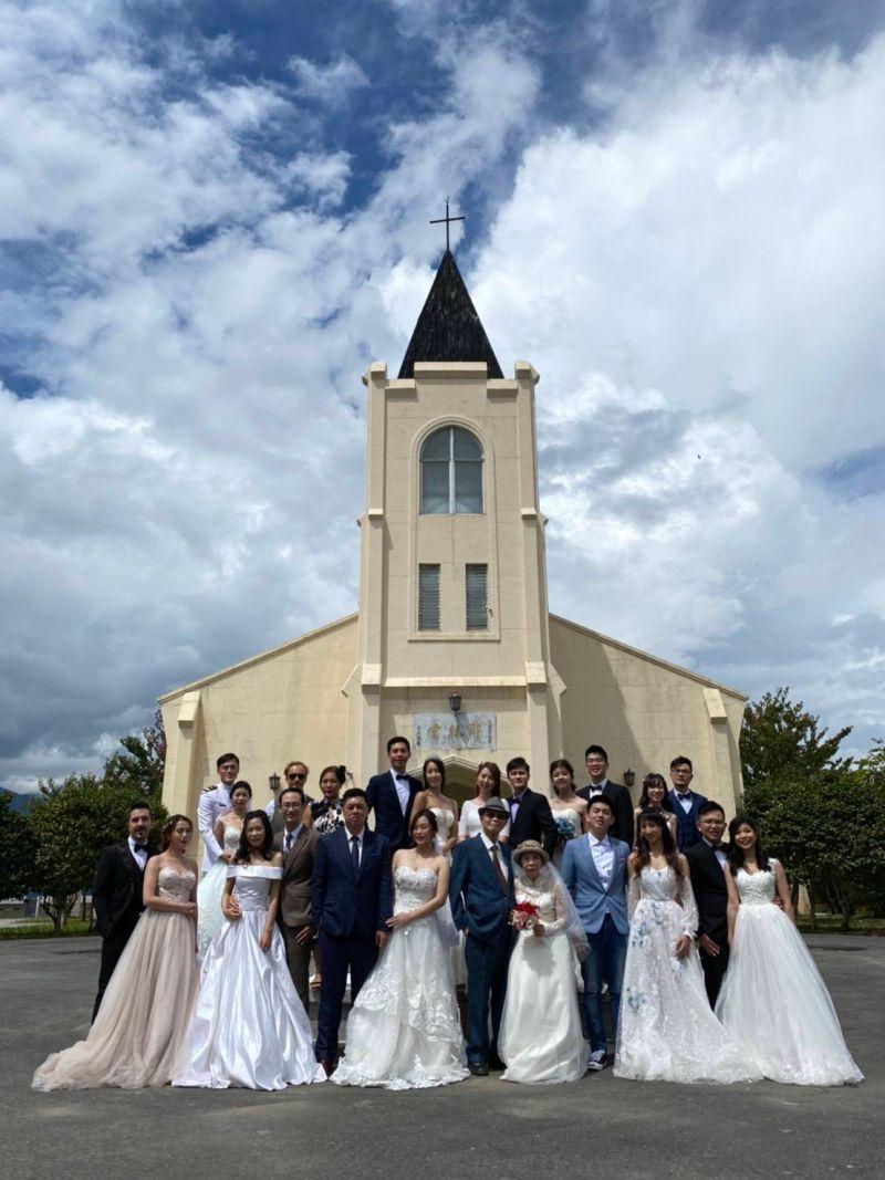 雲端上的婚禮 <b>林佳龍</b>證婚敲響幸福鐘聲