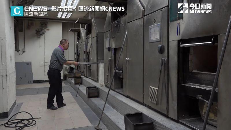 ▲火化盧室,溫度高達50度,現在加裝電扇,改善許多。(圖/匯流新聞網CNEWS 授權)