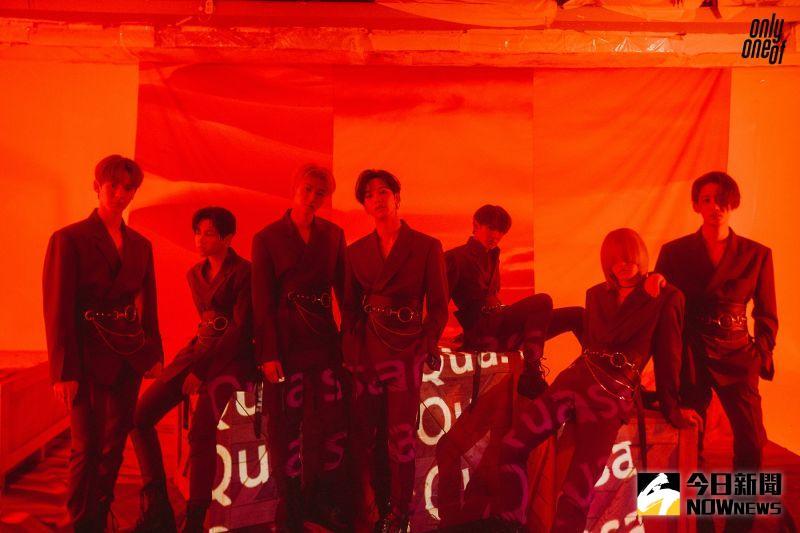 ▲KB(左起)Rie、Love、Nine、Mill、JunJi、YooJung接受台灣媒體訪問。(圖/Applewood