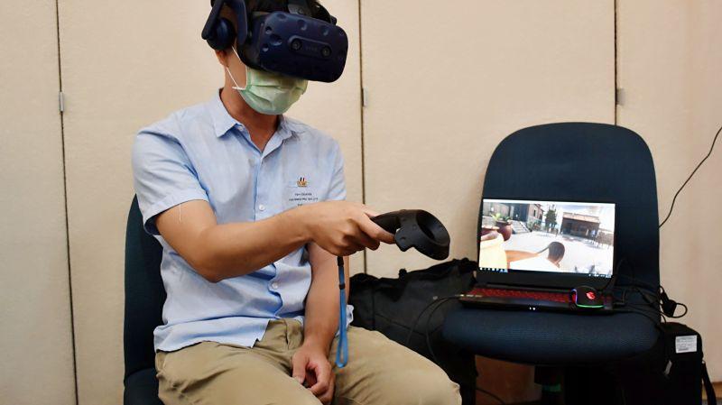 ▲「VR懷舊療法」透過虛擬實境,提供非藥物的治療選擇。(圖/高醫大提供)