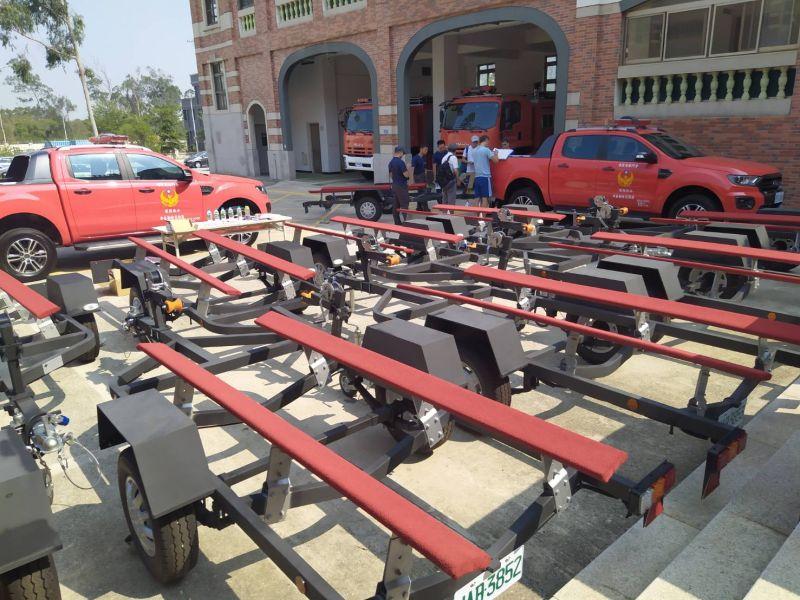 金門消防新利器 新購水域救援車及船架加入救難隊伍