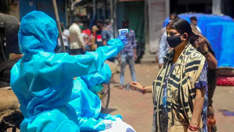 ▲印度確診人數不斷飆高。(圖/翻攝自 India Today)