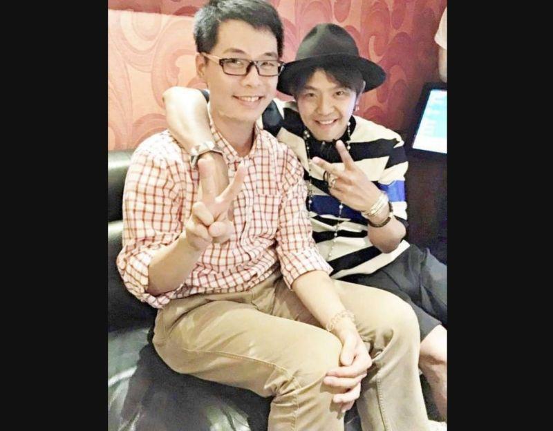 ▲美商ERA易而安不動產資深經理陳泰源(左)曾與黃鴻升同班,他回憶上次遇到小鬼時已經是在2015年同學會上。(圖/讀者提供)