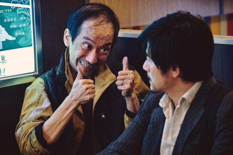 男星罹癌「雙腳麻痺萎縮」!卻勇奪香港金像獎最佳男配