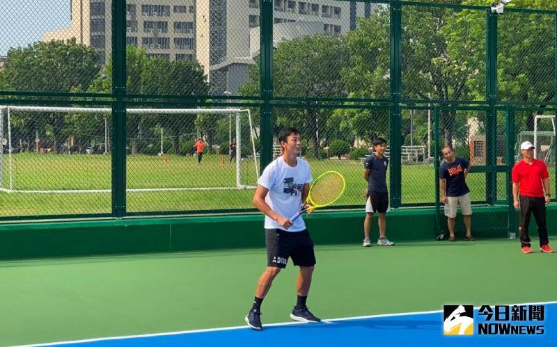 全國首座智慧網球場啟用 台灣球王<b>盧彥勳</b>剪綵試打