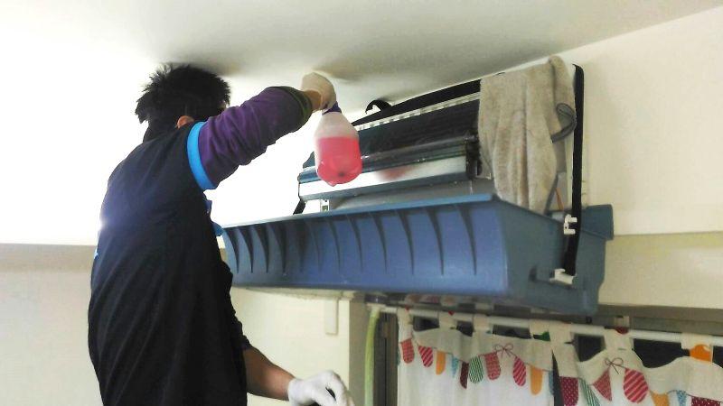 ▲防止霉味,趁秋冬來臨前,做好冷氣清潔。(圖/淨芙達提供)