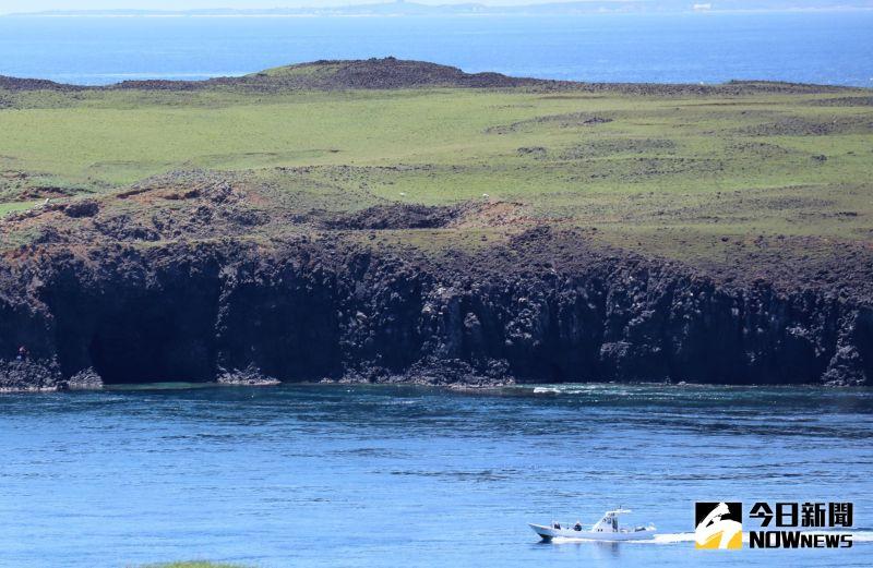 ▲海洋國家公園管理處緊急通報南方四島附近海域的船隻與民眾不可擅自登上鋤頭嶼,以避免意外發生。(圖/記者張塵攝,2020.09.21)