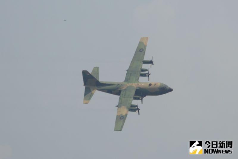 ▲空軍第六聯隊C-130H運輸機性能展示。(圖/記者呂炯昌攝.2020.09.22)