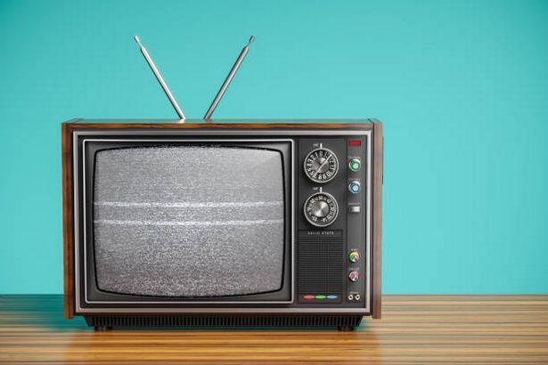▲結果竟然是一台舊電視,干擾了全村莊的網路訊號。(示意圖/翻攝自《North