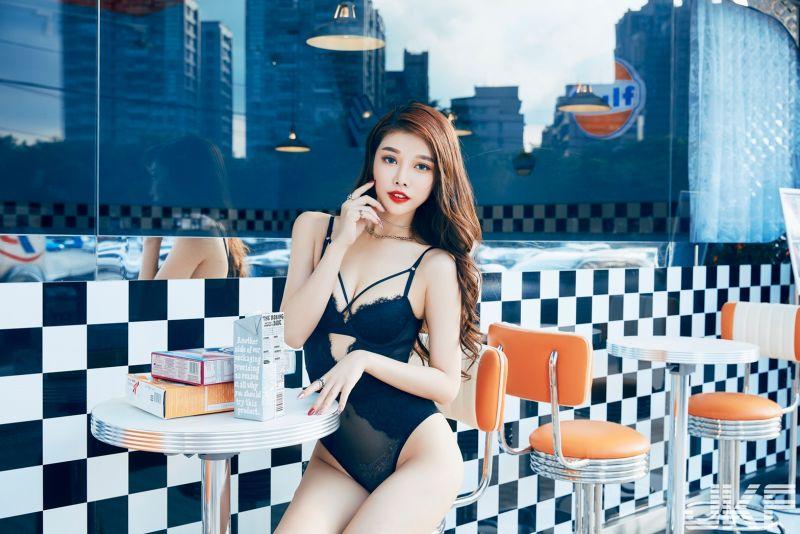 ▲▼尤妝妝替男性雜誌拍封面。(圖/JKF提供)