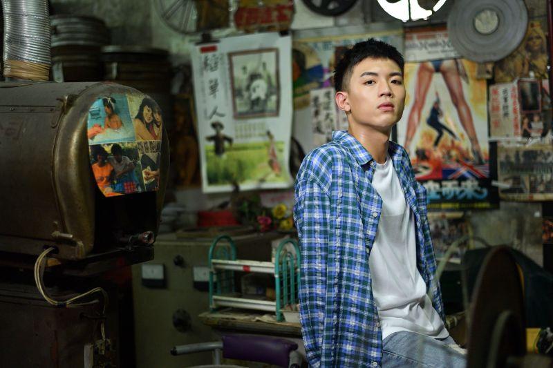 龔言脩推出新歌《Hello》。(圖/年代娛樂提供)