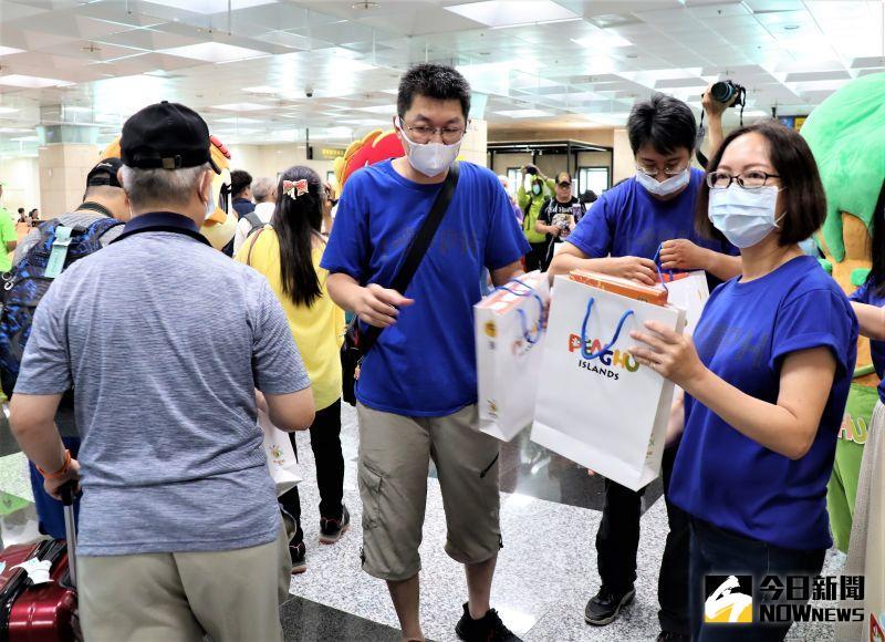 ▲過去台灣人一年花8000億到國外去玩,但是新冠肺炎這個難纏的病毒,讓大家出不去也進不來。