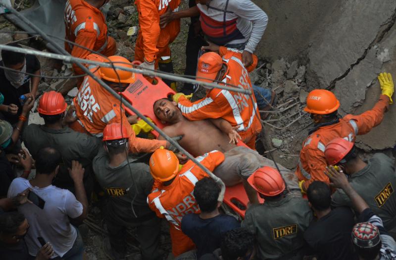 印度<b>孟買</b>附近危樓倒塌死20人 另有15人失蹤