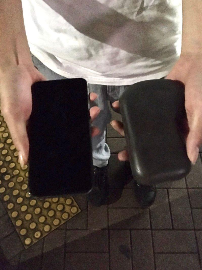 ▲日本一位男子,喝醉酒回家發現「手機變石頭」,真相曝光讓家笑翻。(圖/翻攝自@BKitakami的推特)