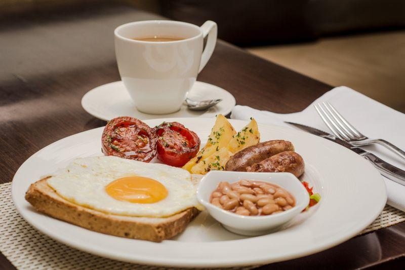 不只點飲品!老饕曝連鎖咖啡「必點熟食」:比早午餐店強