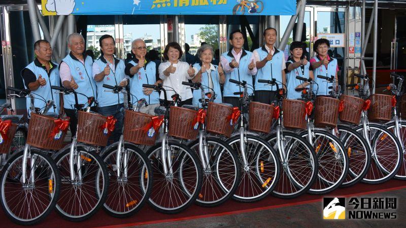 體恤鄰長辛勞 授贈1376輛專用腳踏車