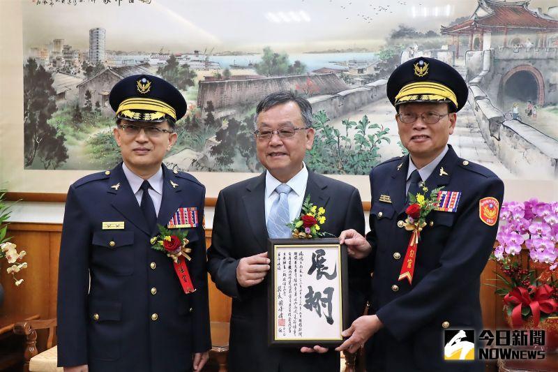 任務艱鉅!賴峰偉要新任警長接軌國際、練好英文