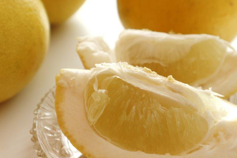 破除謠言!營養師:柚子混香蕉、優酪乳不會中毒
