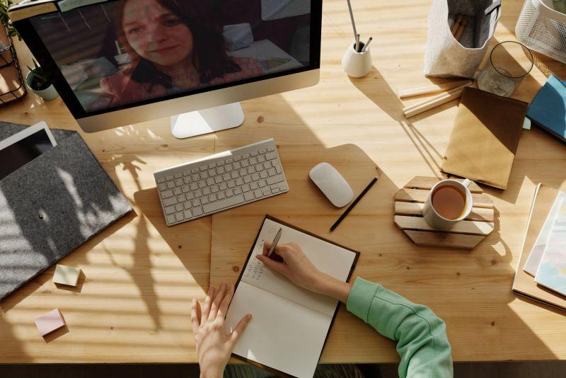 ▲網友分享自己覺得最難的必修課是「跟同學一起合作的課」。(示意圖/翻攝自《pexels》 )
