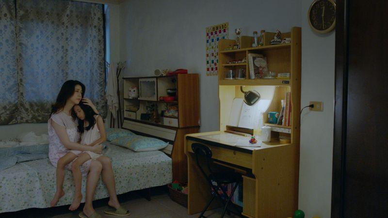 ▲韓瑜在《腦波小姐》對戲年幼歐陽妮妮。(圖