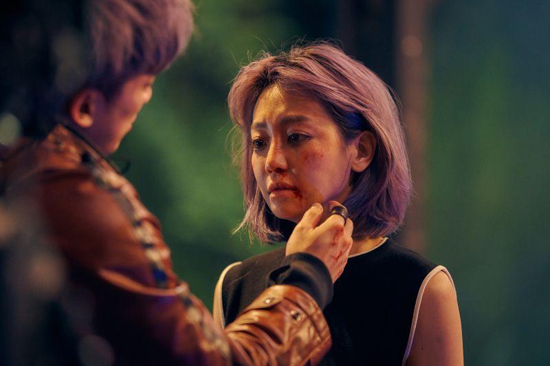 ▲謝欣穎被林哲熹毆打後心痛的神情。(圖