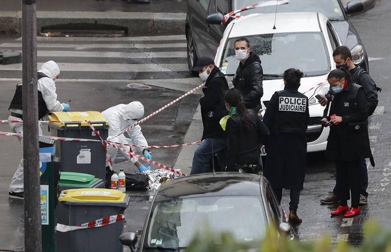 法國查理週刊舊址外持刀攻擊2人重傷 檢方朝恐攻偵辦