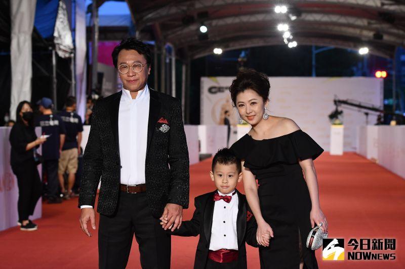 ▲游安順帶著太太、兒子一起走紅毯。(圖/NOWnews影像中心)