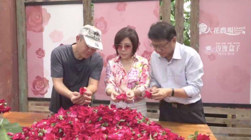 于美人合體<b>潘孟安</b> 獨家公開超香玫瑰花料理