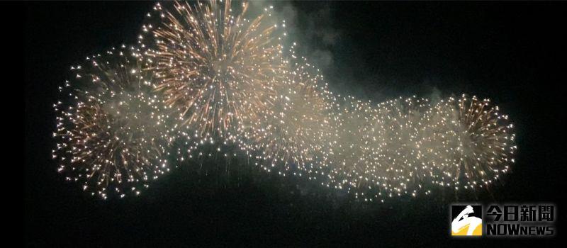 ▲26日晚間試放800發各式煙火。(圖/記者陳聖璋攝,2020.09.26)