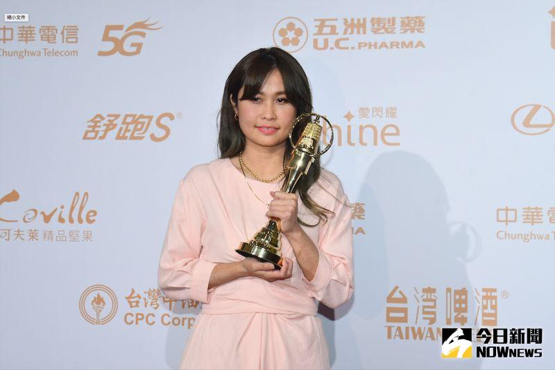 ▲《綜藝大熱門》的製作人潘筱晴上台領獎。(圖/NOWnews影像中心)