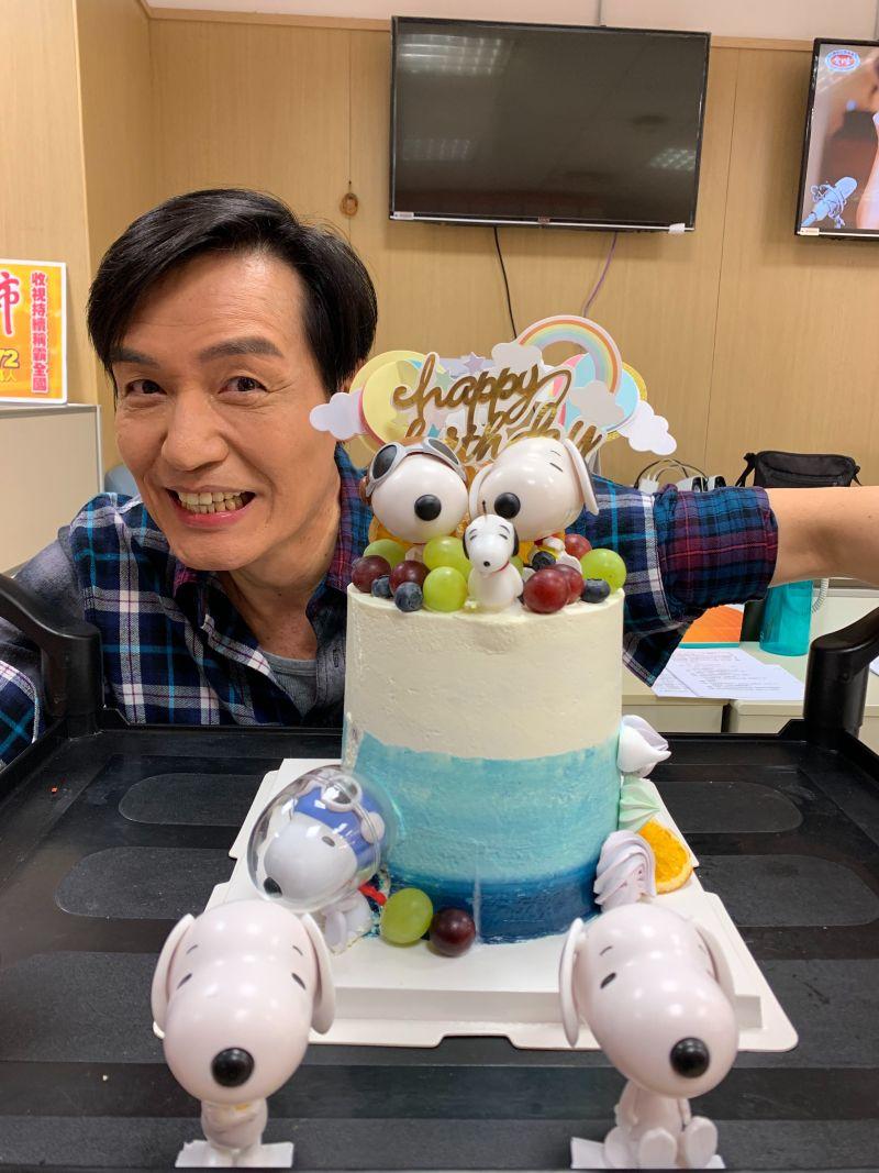 ▲李珞晴特地為霍正奇準備生日蛋糕。(圖