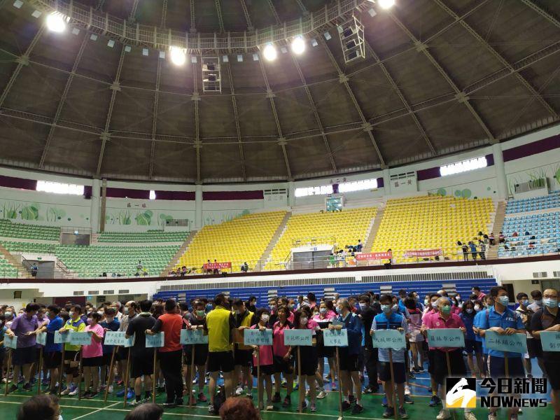 ▲今年度彰化縣長盃公務人員桌球賽共有39隊、450人參賽。(圖/記者葉靜美攝,2020.09.29)