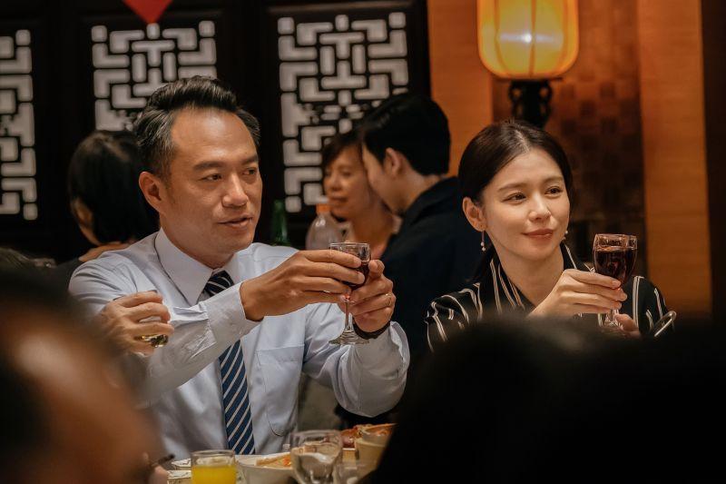 ▲▼徐若瑄(上圖右,下圖中)飾演的阿瑜兼顧家庭與工作,責任心強烈。(圖/威視)
