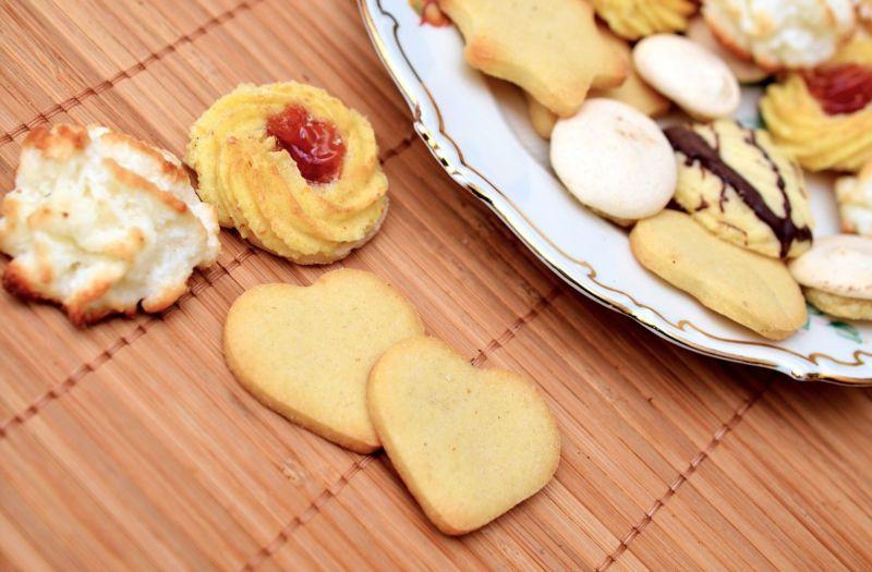 ▲有網友在PTT提到「月餅真的收到很多,不是轉送就是放著沒吃完」,不禁疑惑是否可改送其他東西,貼文立刻引發熱烈討論。(示意圖/翻攝自Pixabay)