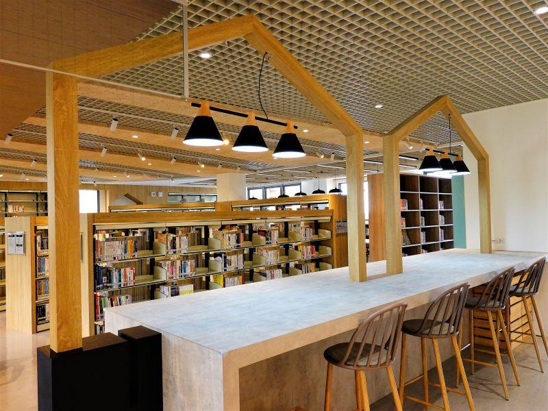 新北市圖打造「閱讀餐廳」 讓菜市場增添文青氣息