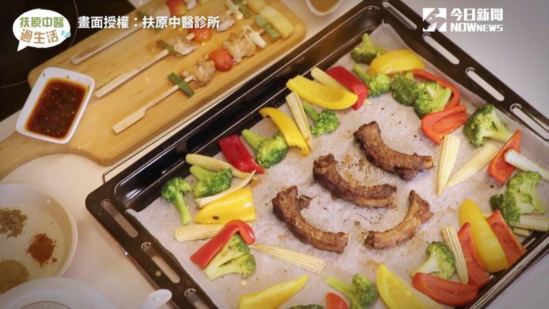 ▲ 中秋節烤肉也可以吃得很健康!中醫師教大家製作「養生醃肉醬」。(圖/扶原中醫診所 授權)