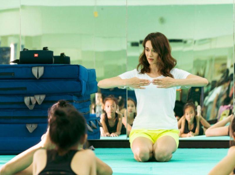 ▲瑞莎為了台灣韻律體操選手不遺餘力。(圖 / 瑞星韻律體操協會提供)