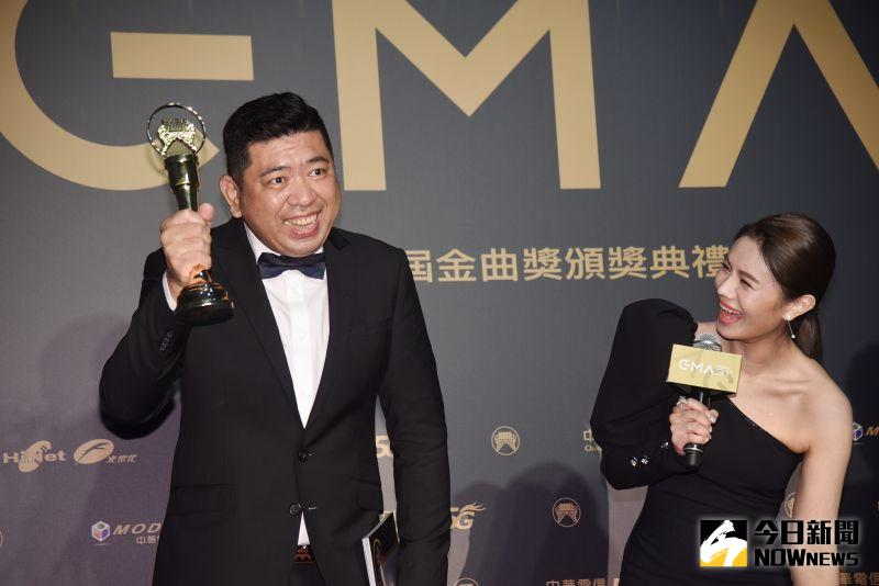 ▲NONO(左)因朱海君得獎表示要請吃雞排,但總公司沒接電話。(圖/NOWnews影像中心)