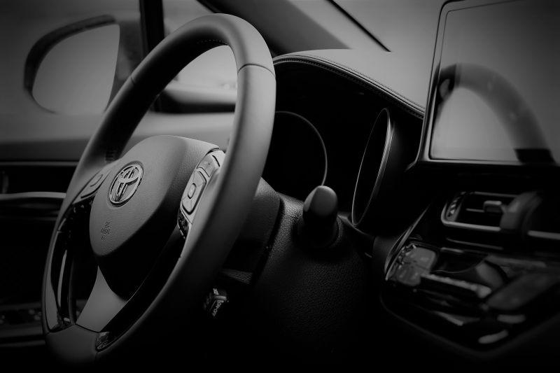 有錢人豪宅內總有輛Toyota?網揭「富豪心態」:誤會大了