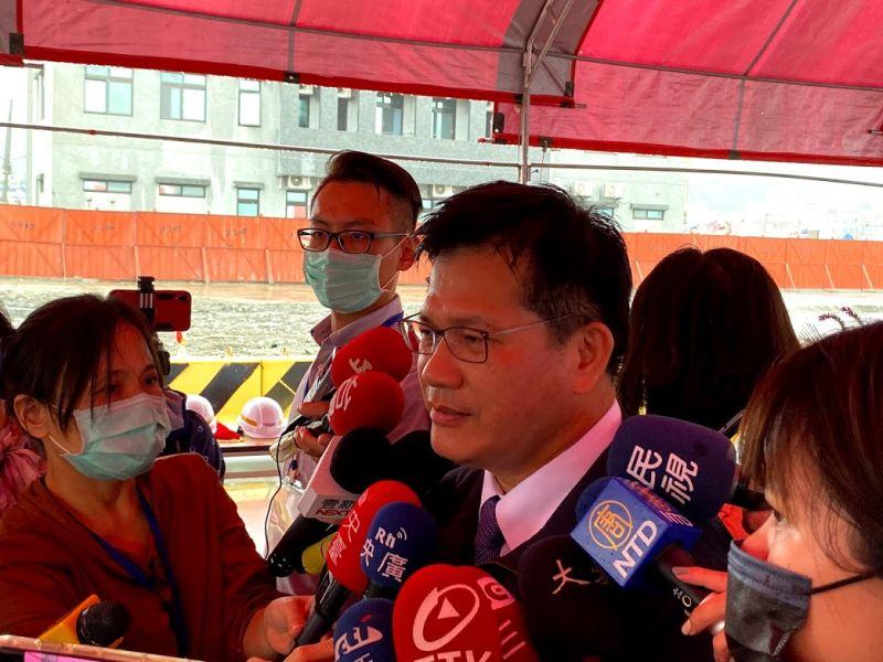 交通部長林佳龍今(5)日表示,中秋連假國道疏運,媒體評論都認為基本上是及格,但還有很大進步空間