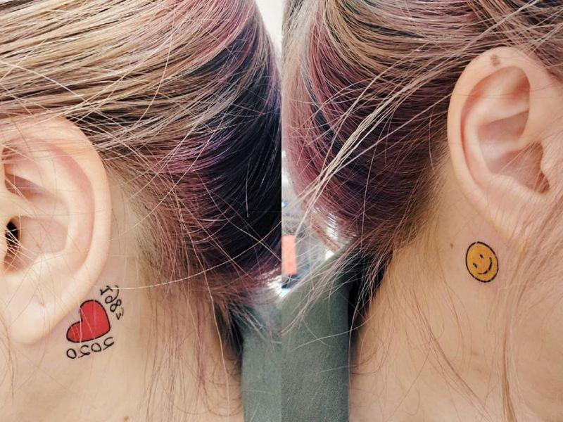 ▲黃婷婷秀出兩耳耳後紋身。(圖/黃婷婷IG)