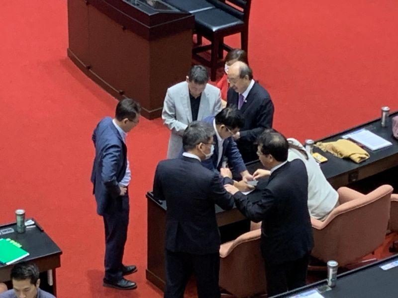 國民黨團提 「政府尋求台美恢復建交」 朝野無異議通過