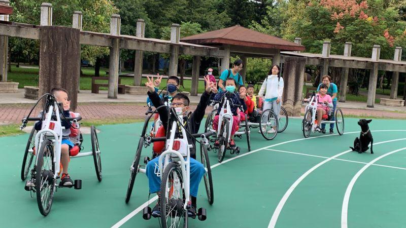 ▲位於新北市樹林區的大同國小成為全台第一個至「新北市輪椅夢公園」體驗的學校。(圖/官方提供)
