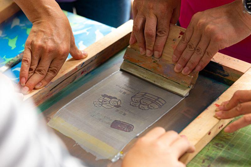 ▲大溪木藝生態博物與社區中生代合作,傳承耆老木藝文化。(圖/桃園市政府提供)