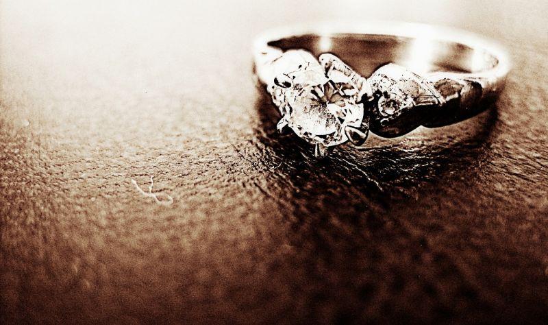 交往9年女友狂逼婚!他求婚「悲慘結局」曝:我不能接受